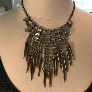 Jewelry - Tribal bohemian bronze lightweight necklace